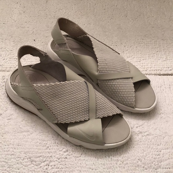 9b2f55dca9d5 Nike Air Huarache Sandals. M 5a932d4161ca10772040a898